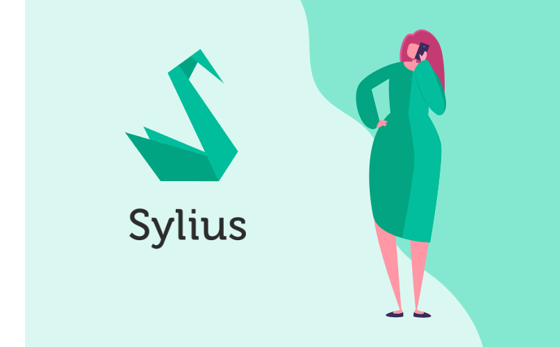 Woman with sylius logo